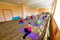 Pilates ar gumijas lentām